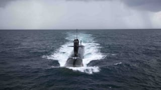 भारतीय नौसेना को मिली स्कॉर्पिन सीरीज की पहली पनडुब्बी