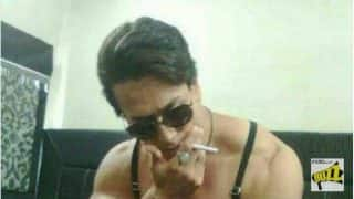 Alleged Picture of Tiger Shroff With Cigarette is Going Viral After Ranbir Kapoor and Mahira Khan's Smoking Photo