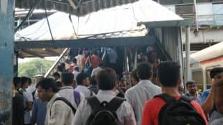 Mumbai: Escalator Accidentally Swings to Reverse at Andheri Station, 2 Injured | WATCH