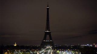 Eiffel Tower Goes Dark To Pay Tribute To Las Vegas Shooting Victims