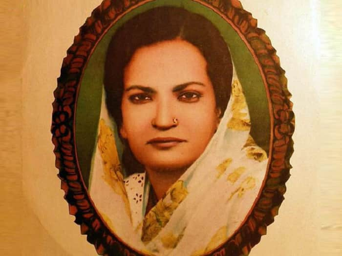 Google doodle dedicates to 'Queen of Ghazals' Begum Akhtar