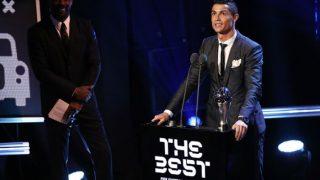 क्रिस्टियानो रोनाल्डो और मर्टेस ने जीता फीफा के सर्वश्रेष्ठ खिलाड़ी का पुरस्कार