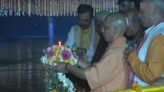 Ayodhya Witnesses Maha Diwali: Yogi Adityanath Hosts Deepotsav, Saryu River Lights up With 2 Lakh Diyas