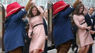 Pregnant Kate Middleton Dances With Paddington Bear At London Train Station (Video)