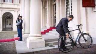 Prime Minister Mark Rutte Rides Bicycle to Meet The King: Picture of Netherlands PM Parking His Cycle at The Palace is Going Viral