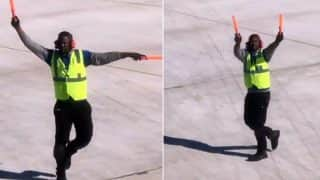 New York Airport Employee Dancing Becomes A Hit On The Internet (Video)