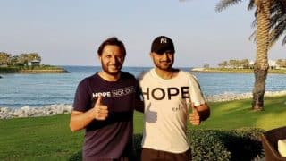 Harbhajan Singh and Shahid Afridi Meet to Support Pakistani Cricketer's SA Foundation, Receive Love From Both Countries