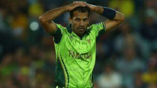 बॉलिंग भूले पाकिस्तानी गेंदबाज वहाब रियाज, ओवर की पांचवी गेंद के लिए दौड़े 5 बार