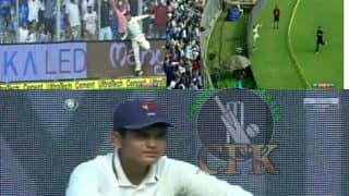India vs New Zealand 1st ODI: Mumbai Ball Boy Catches Virat Kohli, Wins Hearts