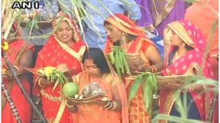 Chhath Puja 2018: छठ पर सुहागिन की तरह सजने को फॉलो करें ये Tips, देख हैरान रह जाएंगी सहेलियां...