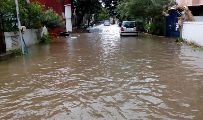 Heavy rains lash Chennai; many areas water-logged, flights delayed