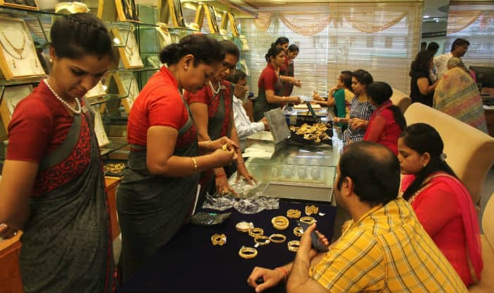 Happy Dhanteras 2017: Puja Muhurat, Tithi & Auspicious Timings to Celebrate Dhantrayodashi and to Purchase New Things