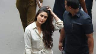 After Diwali Celebrations, Kareena Kapoor Spotted Shooting For Veere Di Wedding At The Mumbai Airport