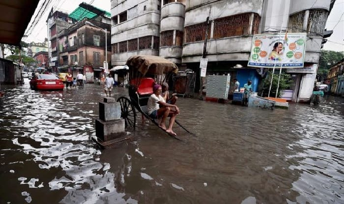 Heavy rains in Kolkata