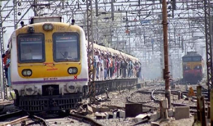 Mumbai Local Train Services on Harbour Line Disrupted Due to Technical Glitch