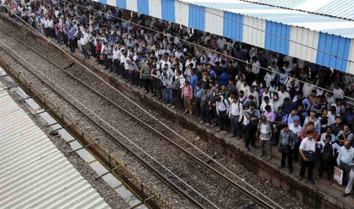 Mumbai Mega Block Today Latest News: Local Train Services on Central, Harbour And Western Lines to be Affected Till 4 PM Today