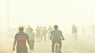 Delhi's Air Quality Touches 'Very Poor' Level Again Even as Temperature Dips, May Get Worse