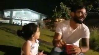 वीडियोः जीत के बाद धोनी के घर पहुंचे विराट कोहली, क्यूट जीवा के साथ की जमकर मस्ती