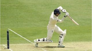 AUS vs ENG, एशेज टेस्ट: एलेस्टेयर कुक के जल्दी आउट होने के बाद संभला इंग्लैंड
