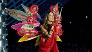 Victoria's Secret Fashion Show 2017: Angel Alessandra Ambrosio Rocks the Ramp One Last Time, View Pics!