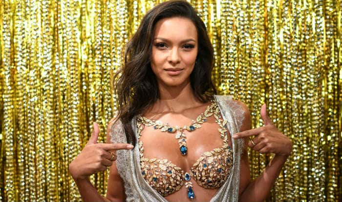 72d4ca1e91 Brazilian Model Lais Ribeiro Will Be Wearing 600-Carat Fantasy Bra Worth. Victoria s  Secret Model 2017 ...