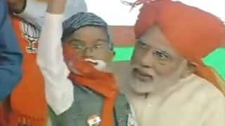 Gujarat Assembly Elections 2017: PM Modi Halts Speech During Azan at Navsari, Calls Child Supporter on Stage