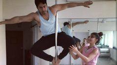 जैकलिन फ़र्नांडिस ने वरुण धवन को सिखाया पोल डांस, आप भी देखिये तस्वीर