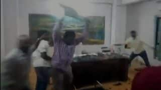 ABVP Members Vandalise Narayana College in Hyderabad, Accuse DGM of Sexually Harassing Teachers: Watch Video