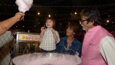 अबराम के साथ बच्चे बने बिग बी, खरीदी कॉटन कैंडी मिठाई, शेयर की फोटो