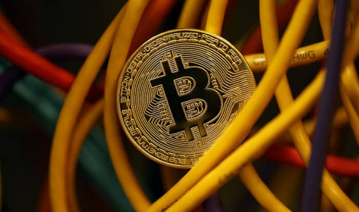 Bitcoin is promoting Black Money, all you need to know about this digital currency | स्पेशल रिपोर्ट: Bitcoin बना ब्लैक मनी का नया अड्डा, जानिए कैसे होता है लेन-देन