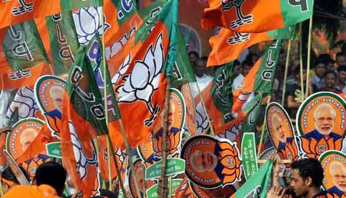 Guj polls: Cong replaces five out of 90 candidates