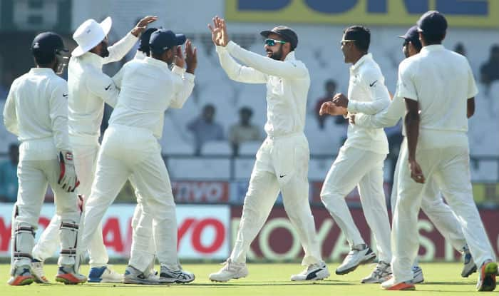 India bundle out Sri Lanka for 205 in second Test