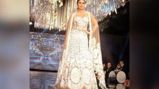 Kareena Kapoor Khan Makes Heads Turn As She Turns Show Stopper For Manish Malhotra In Kenya - View Pics