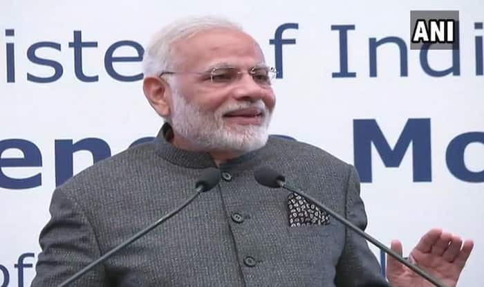 Narendra Modi addresses Indian community in Manila.