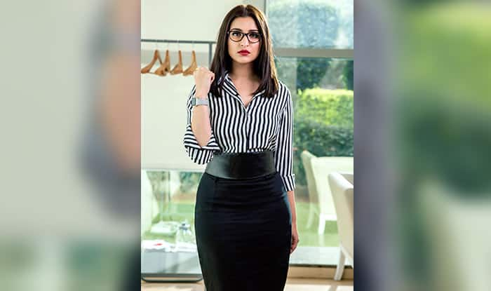 Check out! Parineeti Chopra's corporate look in 'Sandeep Aur Pinky Faraar'