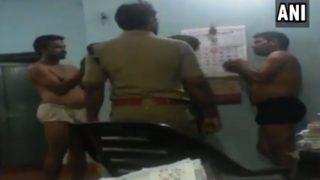 VIDEO: केरल पुलिस ने आरोपियों को बिना कपड़ों के करवाया डांस, बजवाईं तालियां