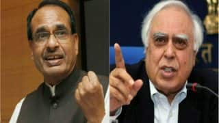 Vyapam Scam: After CBI Gives Clean Chit to Shivraj Singh Chouhan, War of Words Erupt Between Congress and BJP