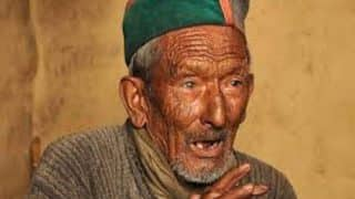 Himachal Pradesh Assembly Elections 2017: India's First Voter, 100-year-old Shyamsaran Negi, Casts Vote in Kinnaur