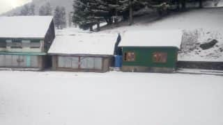 Sonamarg Receives Season's First Snowfall, Rains Bring Temperature Down in Parts of North India