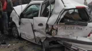 10 Cars Collide on Lucknow-Agra Expressway Due to Dense Fog -  Watch Video