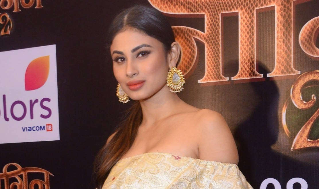 Mouni-Roy-at-the-press-meet-of-Naagin-2-e1475674034868