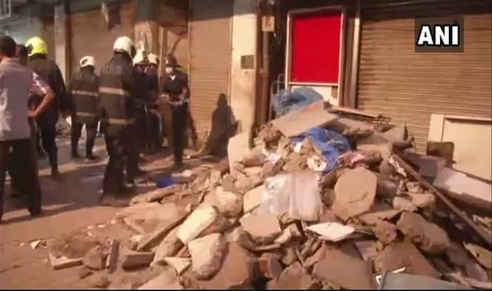 Three dead in Zaveri Bazaar building collapse
