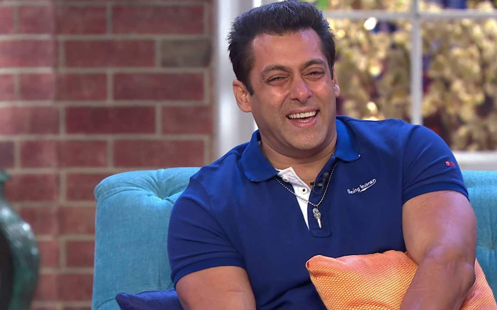 Salman-Khan-Laughing-HD-Wallpaper-02721