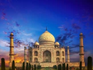 Archeologists are Figuring out How to Clean the Taj Mahal