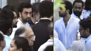 Ranbir Kapoor At Shashi Kapoor's Funeral Looks Like He Will Breakdown Any Moment
