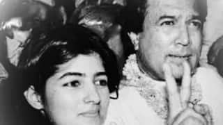 Twinkle Khanna's Throwback Picture With Father Rajesh Khanna On His 75th Birth Anniversary Will Leave You Choked
