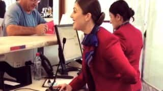 Virgin Australia Airport Attendant Surprises Flyers With Christmas Carol, Video Goes Viral