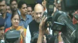 Gujarat Assembly Elections 2017 Phase 2 Voting: Amit Shah Casts Vote in Naranpura, Hardik Patel's Parents in Viramgam