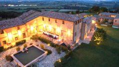 इटली के जिस रिसॉर्ट में हुई विराट-अनुष्का की शादी, जान लीजिए उसका एक दिन का किराया..