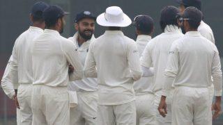 दिल्ली टेस्ट: कोहली का रिकार्ड दोहरा शतक, श्रीलंका के तीन विकेट पर 131 रन